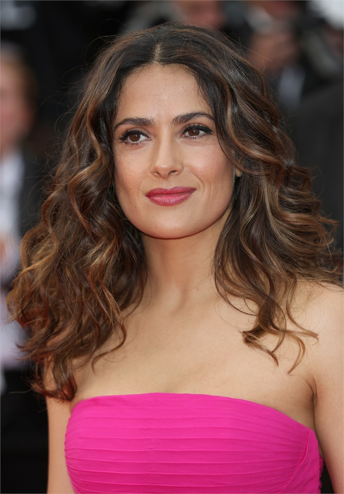 Famous 17 Year Olds: Salma Hayek, Bellezza Di Cannes 2015