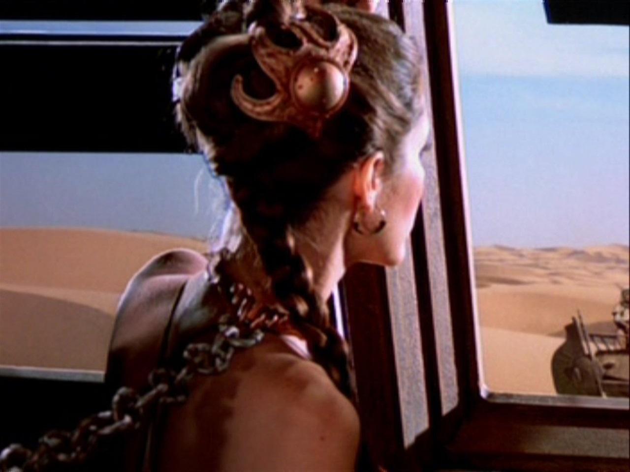 Star Wars: Carrie Fisher risponde alle critiche sul suo aspetto fisico