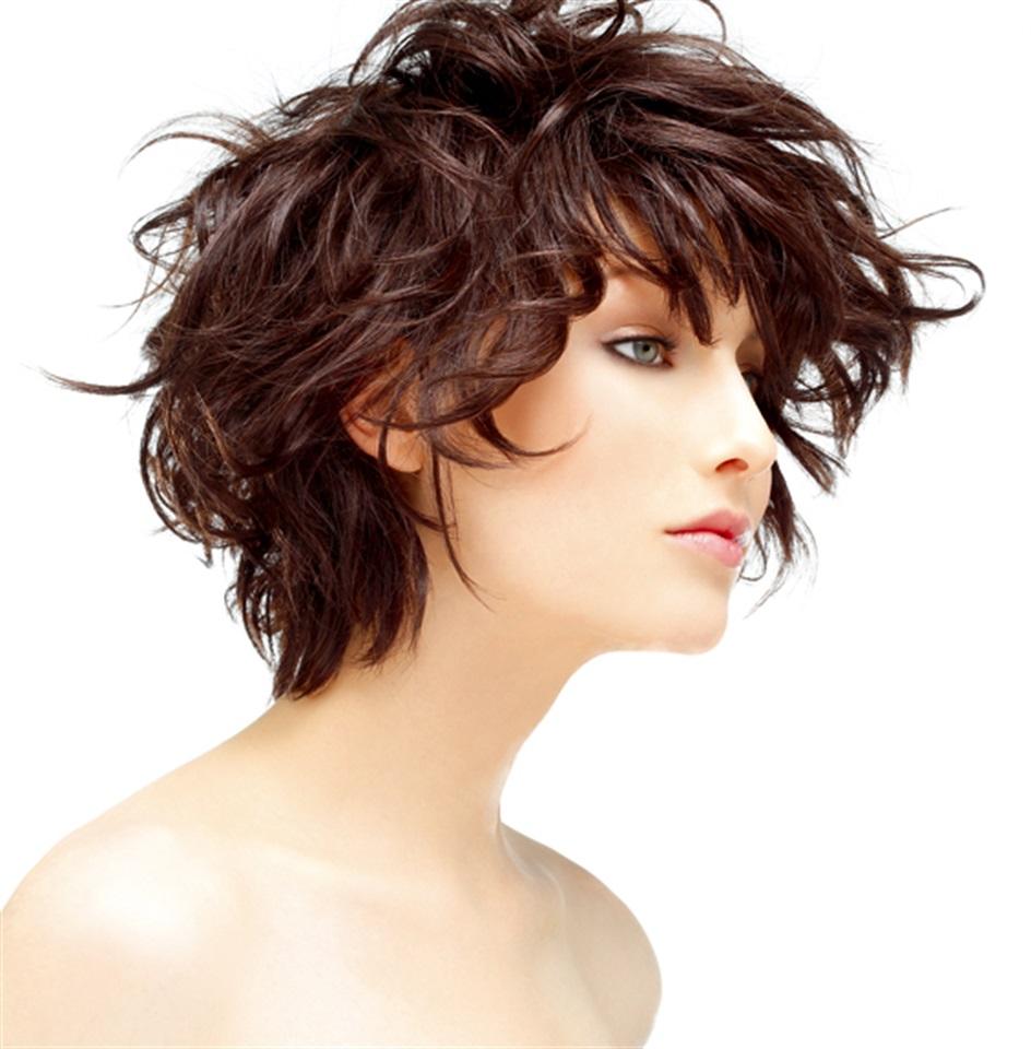 Taglio capelli medi mossi