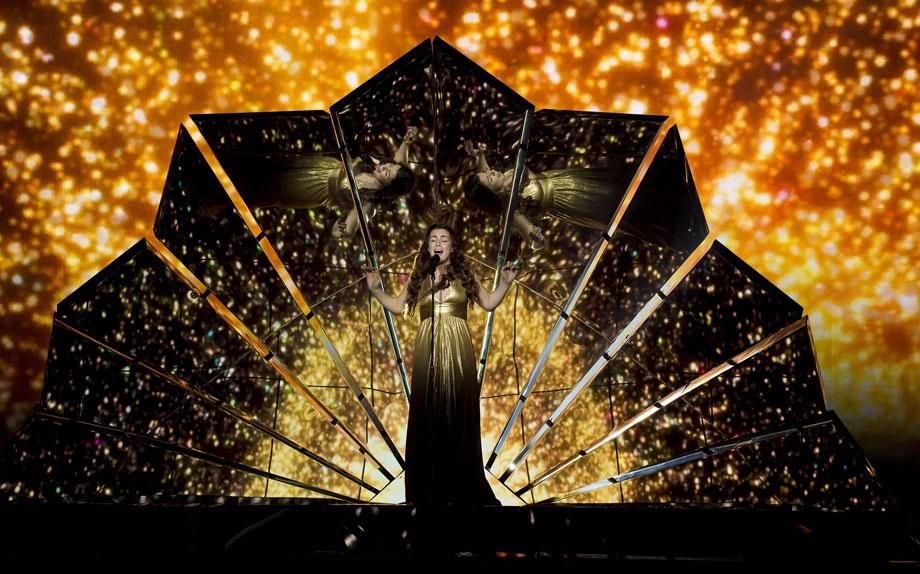 Francesco Gabbani incanta e fa ballare l'Eurovision Song Contest