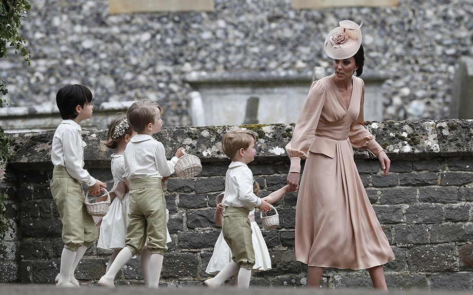 Kate Middleton sgrida il piccolo George al matrimonio di Pippa Middleton