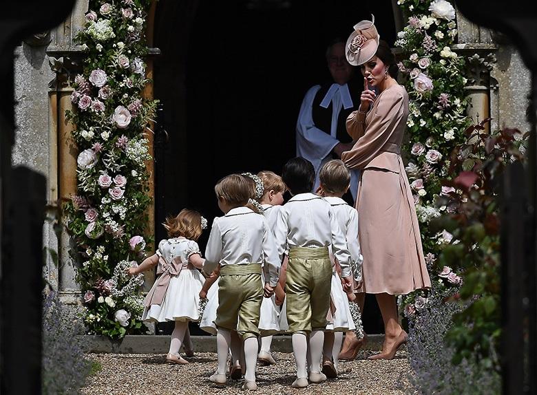 Baby George in lacrime al matrimonio di Pippa