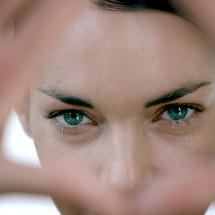 Via le occhiaie: il decalogo per la donna iperconnessa