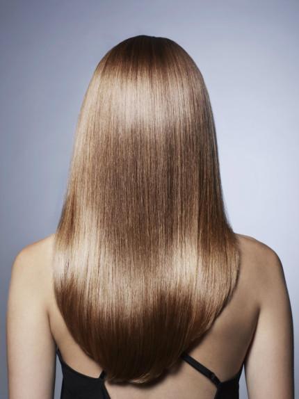 Si possono lisciare i capelli con uno shampoo?