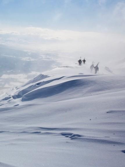 Vacanze sulla neve? In Giappone, tra sci e tè profumati