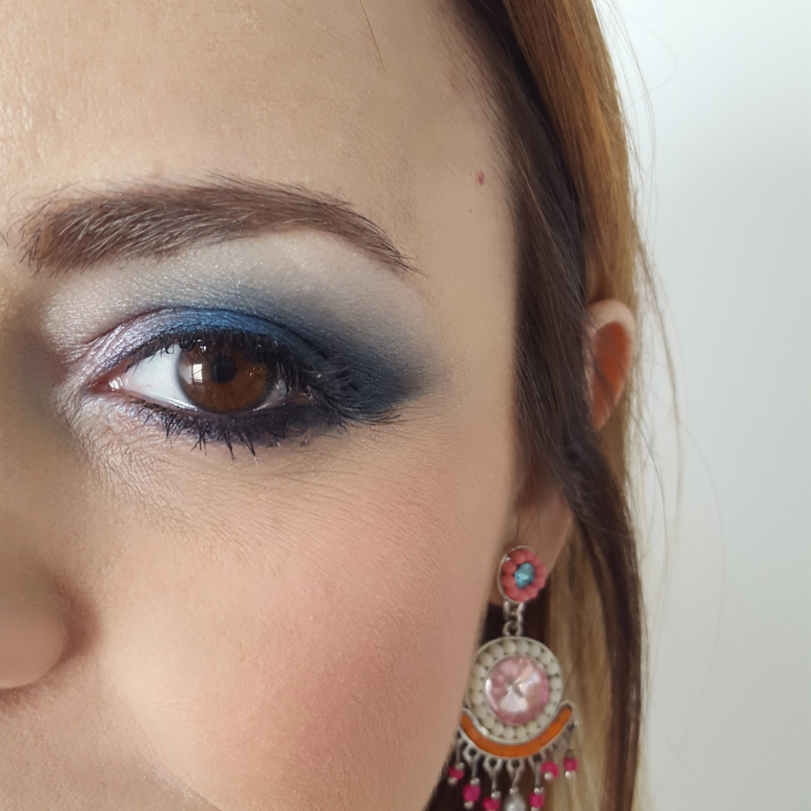 Make up bio in rosa e azzurro melania migliozzi
