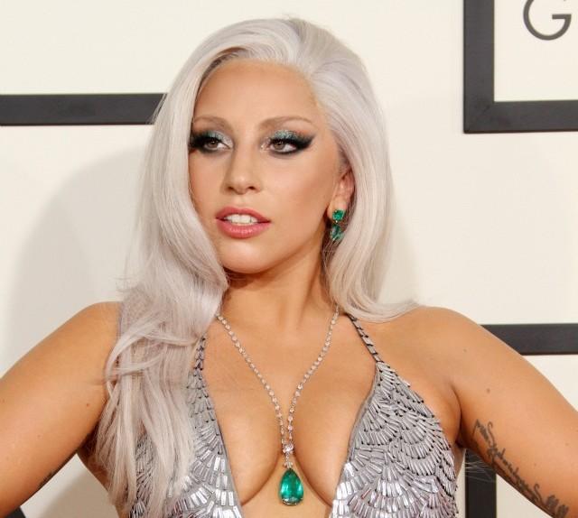 Lady-Gaga-2015-Grammy-Awards-makeup-hair