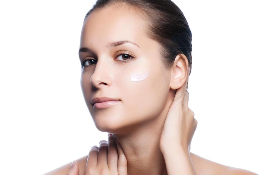 Trucco pelle grassa quale base for Bagnoschiuma x pelle grassa