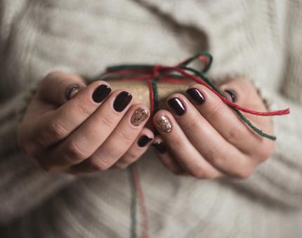 weihnachtliche-nagellacke_510x340