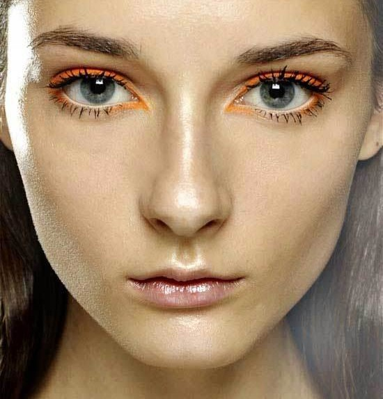 9-bold-bright-eyeliners-10-or-less-L-tBDGHu