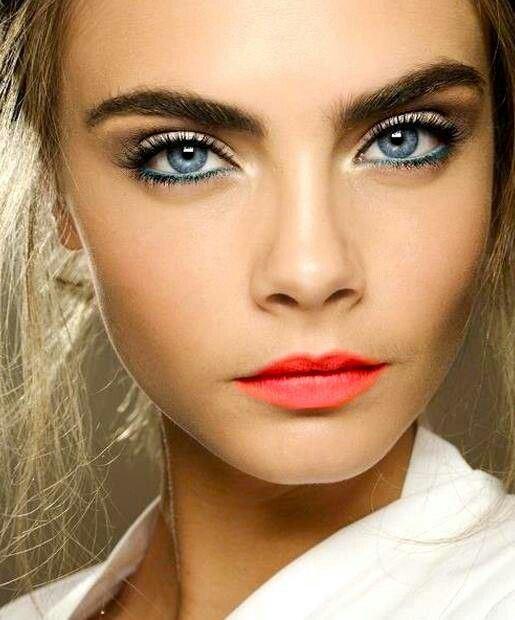 20-Gorgeous-Makeup-Ideas-for-Blue-Eyes-8