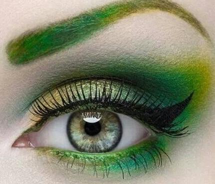 Trucco-occhi-metal-verde