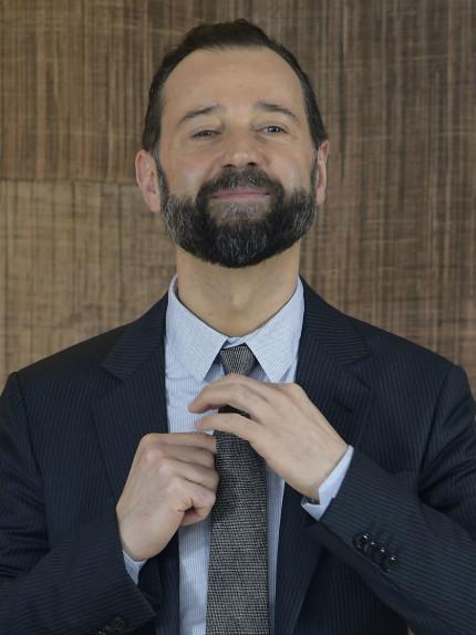 Il contouring da uomo con barba e baffi