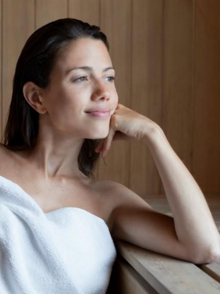 Asciugarsi e detossinarsi prima dell'estate, i benefici della sauna