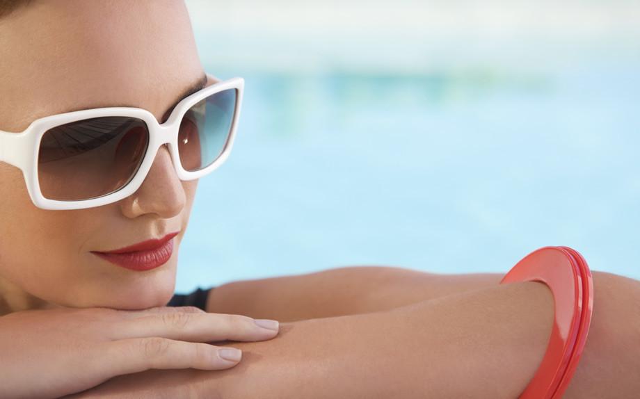 Base perfetta per l'estate in tre step con il make-up bio