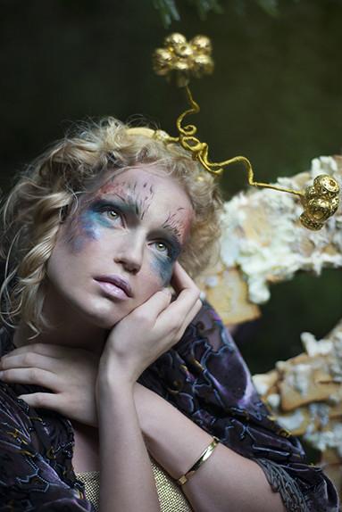 Alice attraverso lo specchio i beauty look ispirati al film - Valeria allo specchio ...