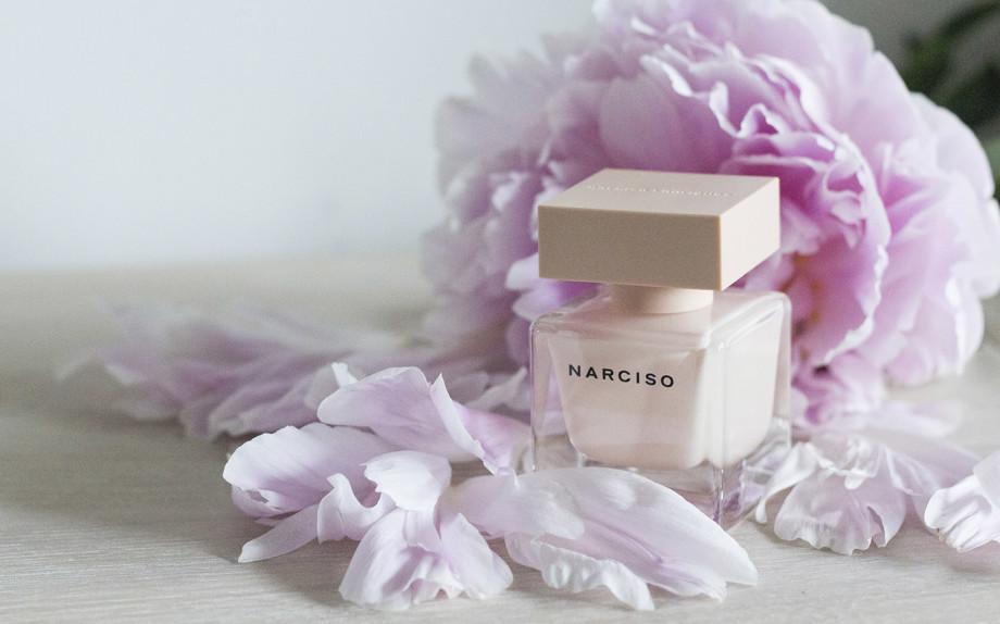 Narciso eau de parfum Poudrée.