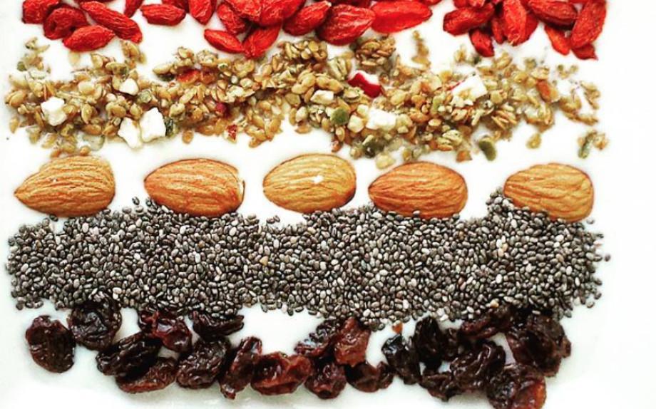 Tutti i tipi di frutta secca e semi
