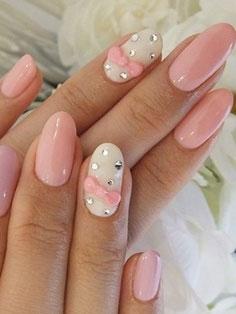 nail-art-romantica-taglio-unghie-a-mandorla