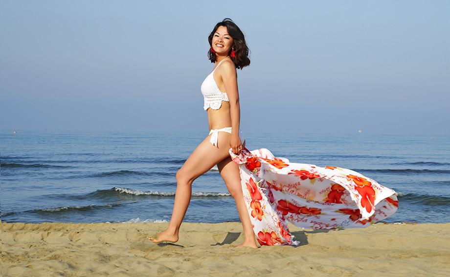i benefici di camminare a piedi nudi