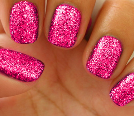 Beautiful-Pink-Glitter-Nail-Art-Design-Ide