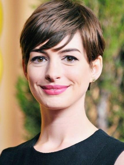 Anne Hathaway Capelli Corti E Nuovo Look Tagli Di Capelli Popolari