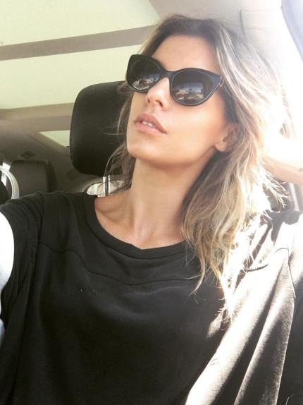 Selfie in macchina? Le regole per venire bene