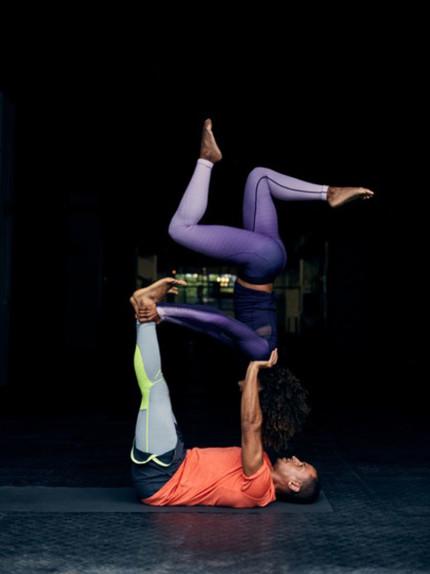 Fitness di coppia, 5 esercizi per sfidare il vostro lui