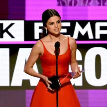 AMA 2016: il discorso commovente di Selena Gomez