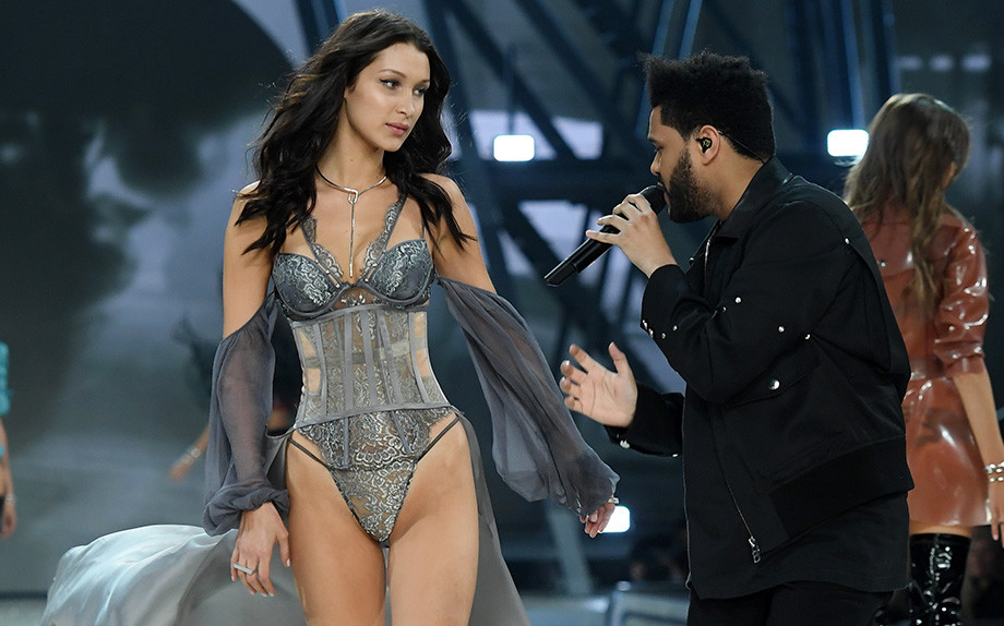 Victoria's Secret Fashion Show: l'incontro tra Bella Hadid e l'ex The Weeknd