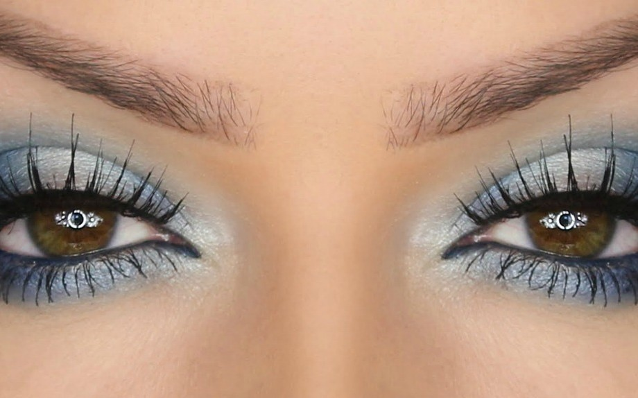 Makeup per occhi scuri per una serata speciale