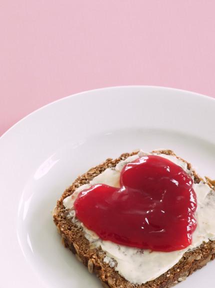Dieci alimenti che fanno bene al cuore
