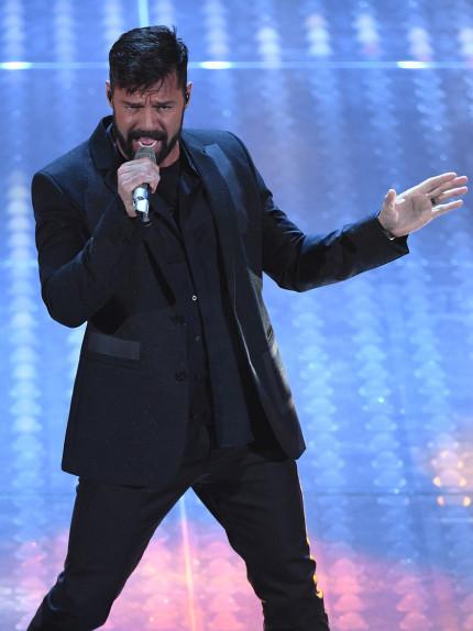 Ricky Martin sul palco. E Sanremo si accende di sensualità!