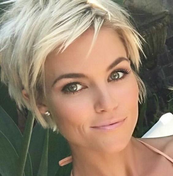 Tagli capelli corti  le tendenze per l estate 2017 - Glamour.it fbd331c8aedf