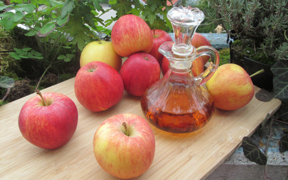 Riduce l'appetito e disintossica: mai senza aceto di mele!
