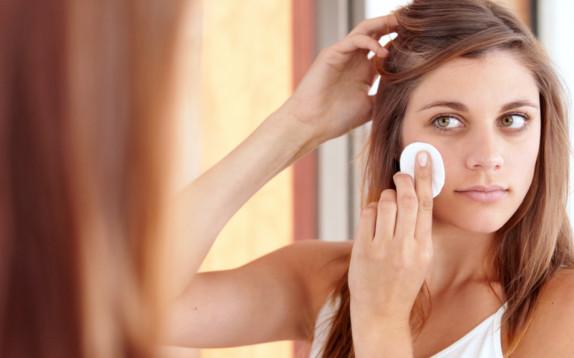 Beauty routine e caldo: cosa devi assolutamente togliere o aggiungere