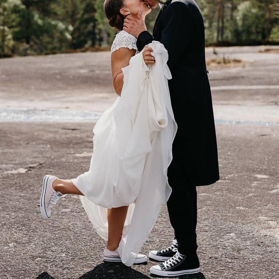 Scarpe Ginnastica Sposa.Sposa 2019 Moda Casual E Comoda Con Sneaker E Slipper
