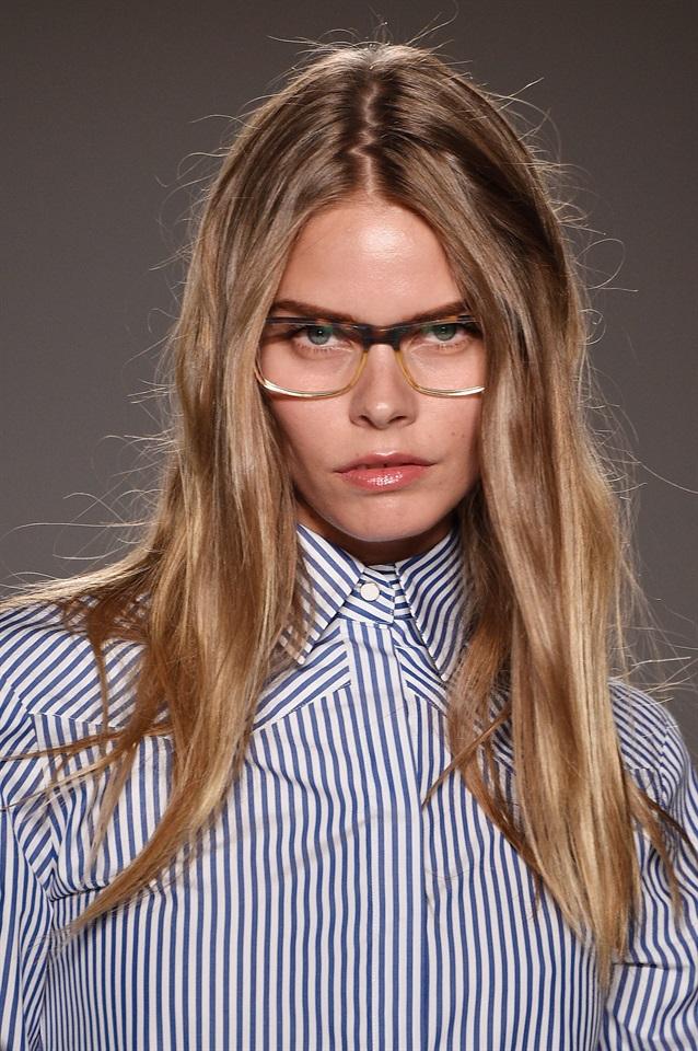 Tagli capelli per chi ha occhiali