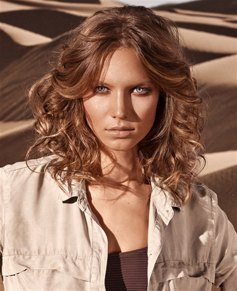 Tagli di capelli lunghi mossi