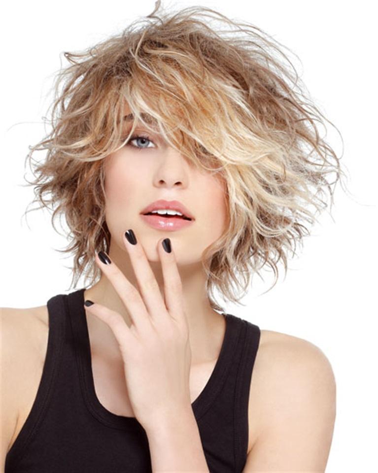 Tagli capelli sfilati mossi