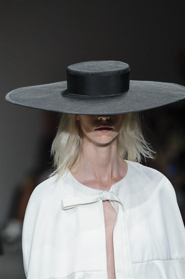 Cappello Glamour Al it Sotto Di Le Paglia Acconciature CEtqxnFU