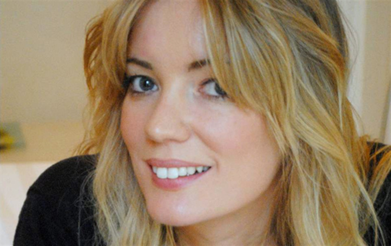 LAUREN YOUNG LONDON ON BECOMING A FACIALIST - YouTube