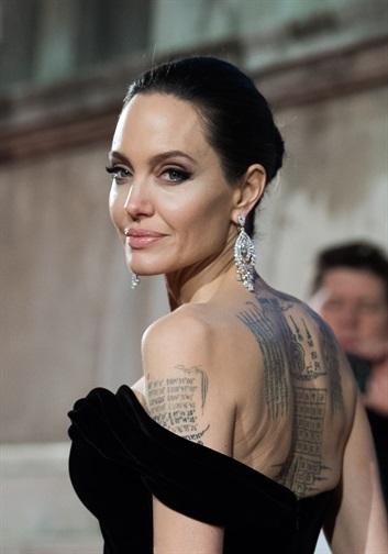 Angelina Jolie incontri Zimbio Dubai incontri cultura