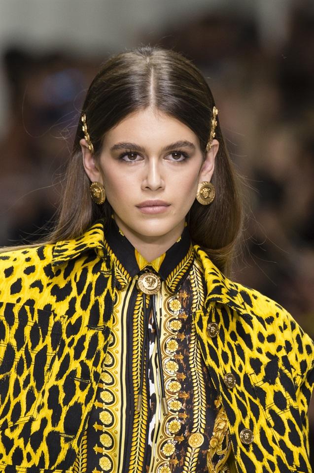 Gli accessori capelli da indossare quest estate - Glamour.it 1b352ec993fc