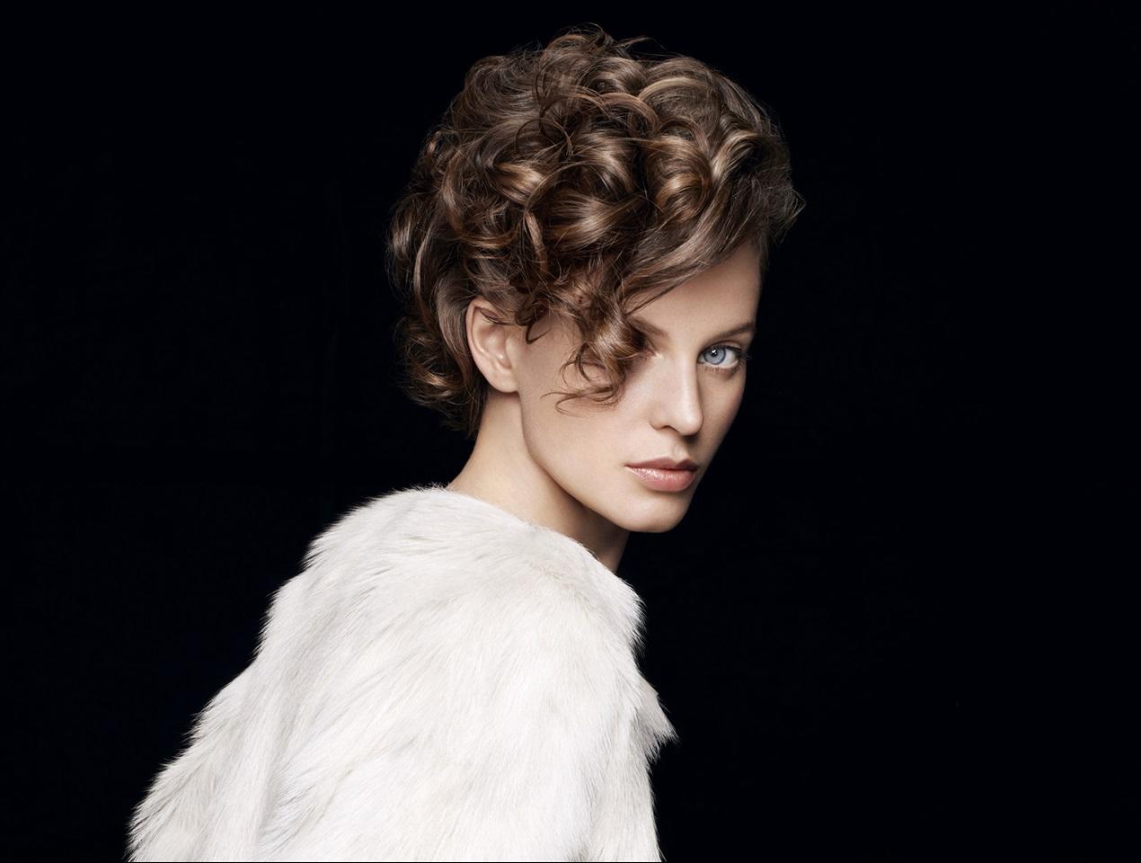Foto taglio capelli ricci 2019