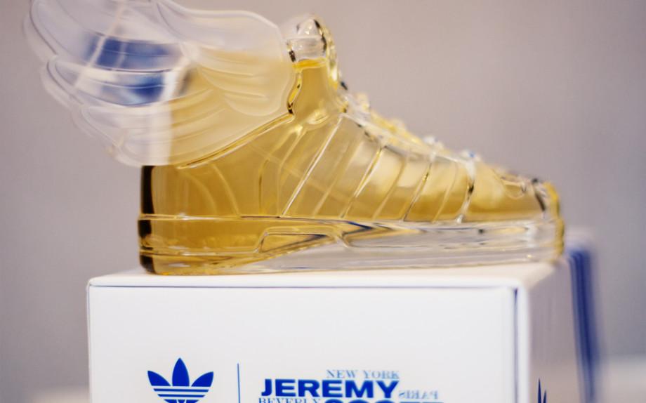 La basket parfum Jeremy Scott pour Adidas Originals - See more at- http-::www.lofficielmode.com:beaute:basket-parfum-jeremy-scott-adidas-originals