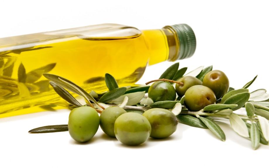 olio d'oliva per capelli sani e lucenti