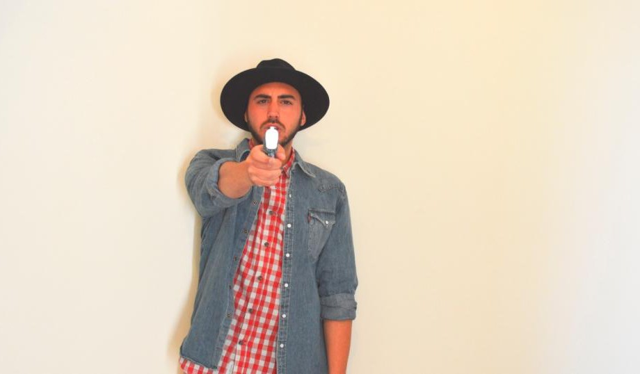 profumo replay con la confezione a pistola