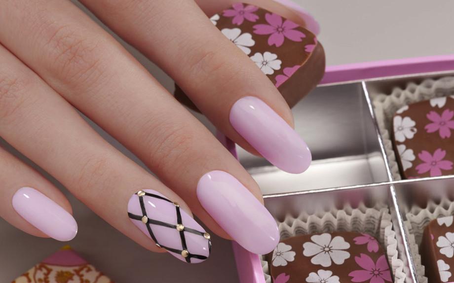 Se in primavera i colori pastello sono un must, il rosa la fa da padrone.  Colore e simbolo della bella stagione è una tonalità che infonde dolcezza e