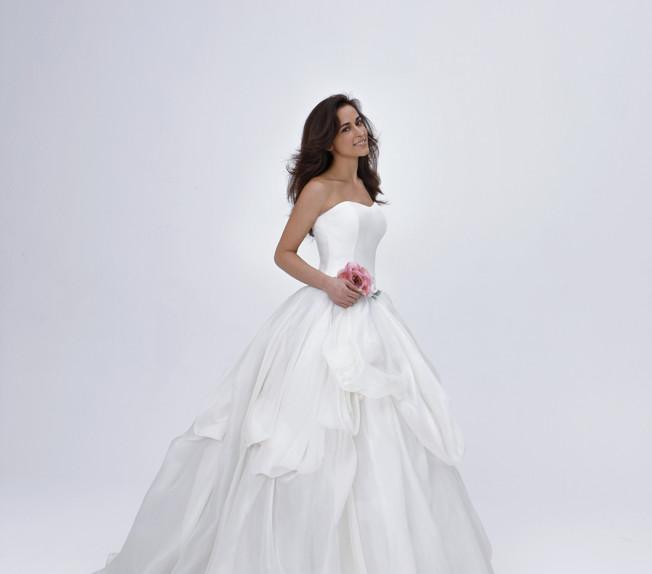 abito-sposa-nuvola-principesco